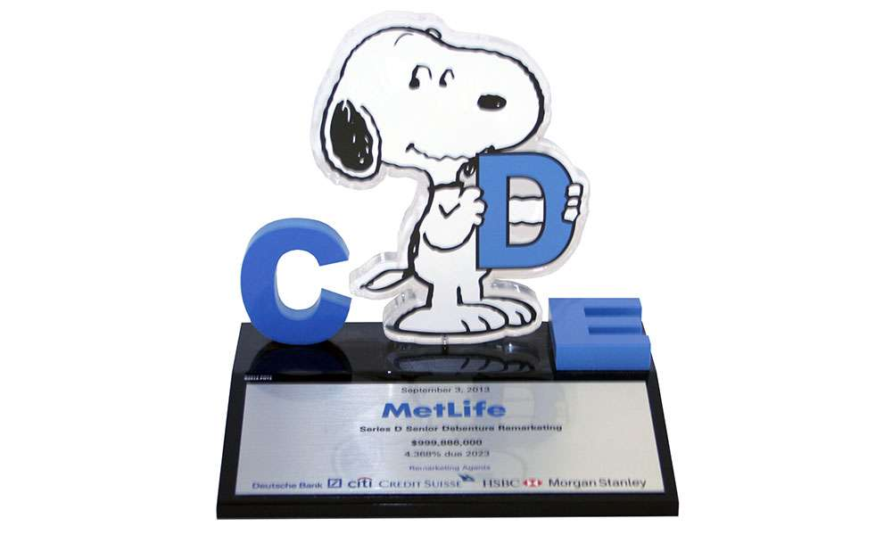Snoopy/Metlife Lucite Deal Toy