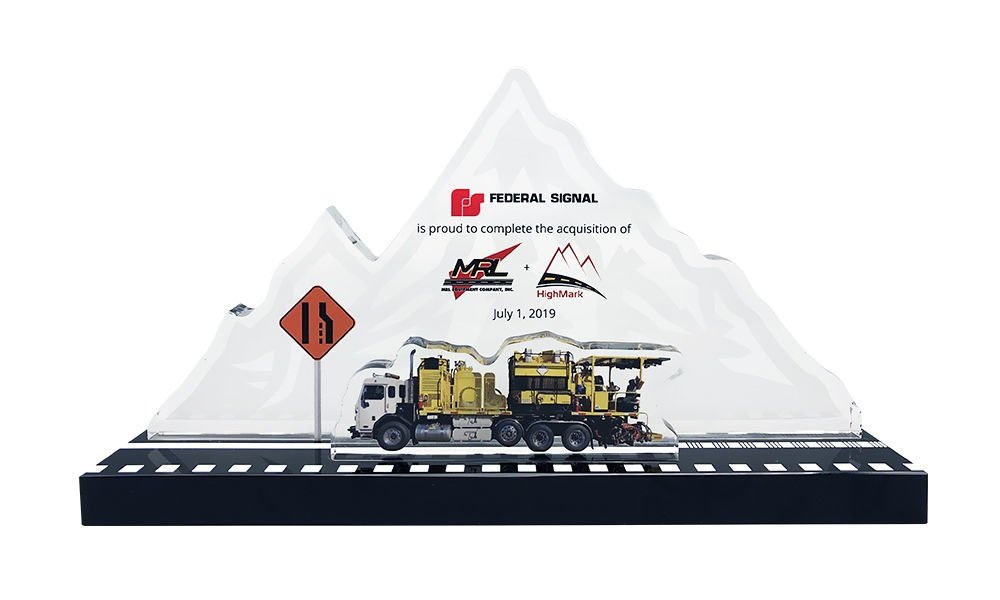 Mountain-Themed Crystal Deal Toy