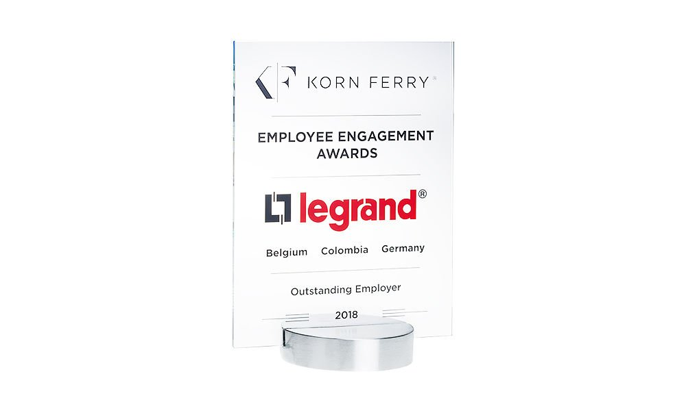Crystal Employee Engagement Award
